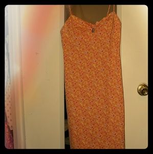 Fitted Floral summer dress with front tie bow